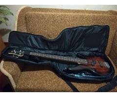 4-х струнная бас гитара Yamaha