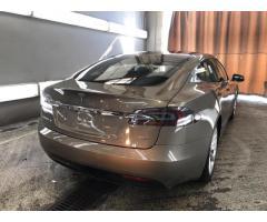 Tesla Model S 75D + Пневмоподвеска + Автопилот, 2016 г.