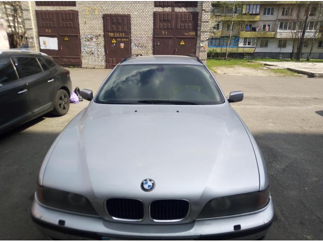 Срочно продам BMW 530 универсал - 3/4