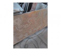 Мрамор владеет глубокими цветовыми оттенками при отделке стеновых и напольных