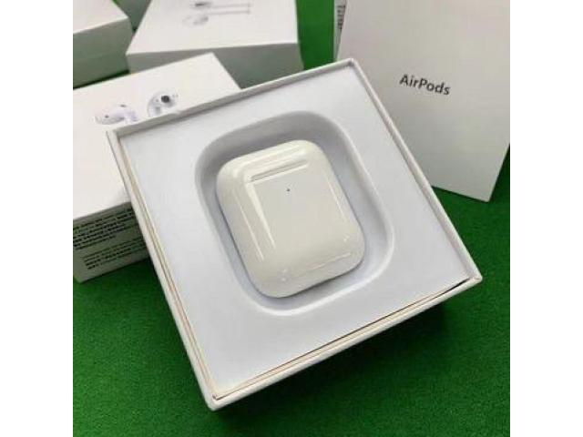 Беспроводные наушники Apple AirPods 2 с беспроводным зарядным кейсом - 2/5