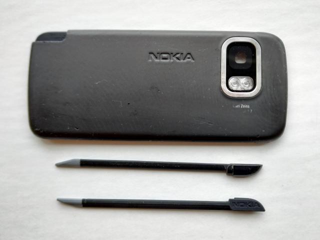 Задня панель + стилус (2 шт.) від Nokia 5800 (оригінальні) - 1/2