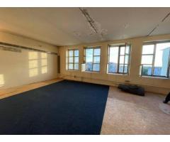Срочно продам 2-комнатную квартиру на Небесной Сотни/ Левитана