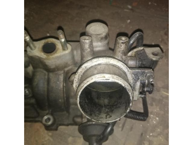 Впускной коллектор двигателя Мазда 323 - 5/7