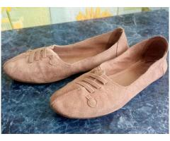 Продам женские балетки