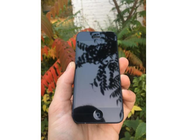 iPhone 5 16gb Black - 1/8