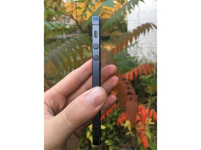 iPhone 5 16gb Black - 3/8